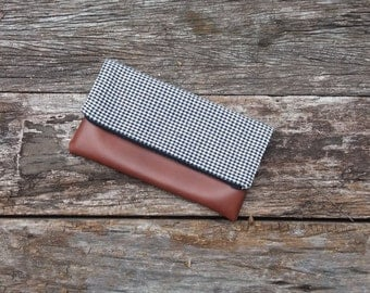 Foldover clutch . Gingham cotton . Faux Leather
