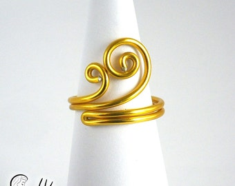 Gold Curls Ring