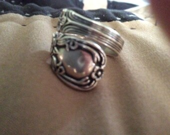 1901 Avon Sterling Silver Spoon ring ~stylish and fun!!