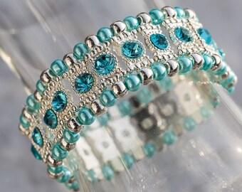 Rhinestone bracelet with glassbeads