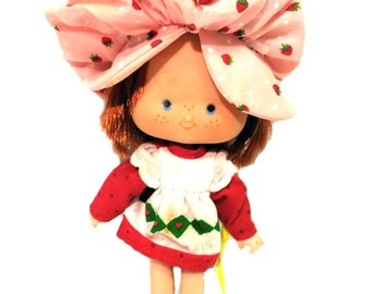Vintage Strawberry Shortcake Doll 80s, Strawberry Hat and Red/White Dress, KENNER, Made in Hong Kong