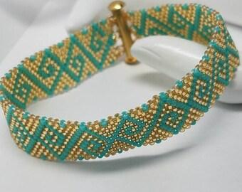 Stunning peyote bracelet