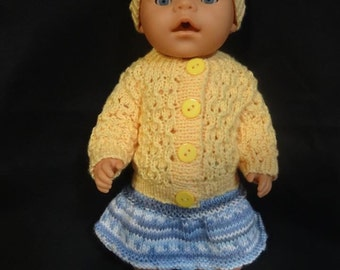 Knitted dolls outfit