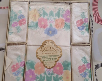 Raytone Handpainted Damask Table cloth & Napkins