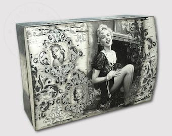 The shabby chic style jewelery box with Marilyn Monroe, retro style, home decoration