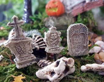 Miniature Teeny Gravestones/Headstones/Tombstones - Set of 3