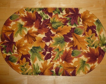 Set of 4 placemats / doilies Autumn / fall Leaves