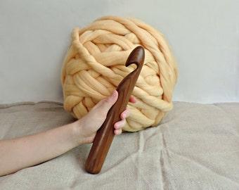 36mm giant crochet hook, Y Size Crochet hook, Giant crochet hook, Giant Knitting, extreme crochet hook.