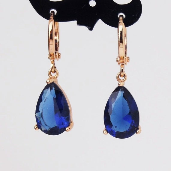 Lovely 18 ct rosegold filled blue sapphire crystal drop earrings