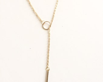 Simple circle bar necklace