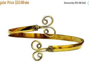 ON SALE Gold Armlet, Spiral Arm Band, Gypsy Armlet, Arm Bangle, Gold Arm Bracelet, Uppper Arm Bracelet, Gold Arm Cuff, Upper Arm Cuff, Gypsy