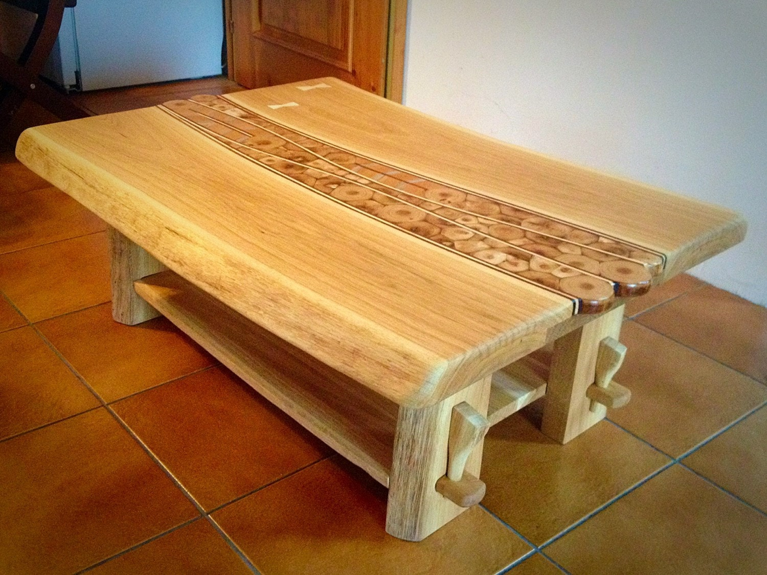 unique solid wood handmade oak coffee table. Black Bedroom Furniture Sets. Home Design Ideas