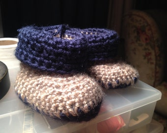 Baby Booties in navy and tan
