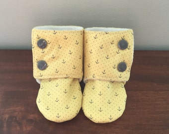 Stay-on Baby Booties (3-6 months)
