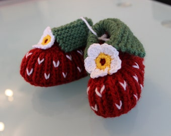 knitted Baby shoes Raspberry - New and warm