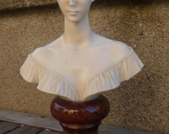 bust of woman vintage ivory decoration family french chateau House
