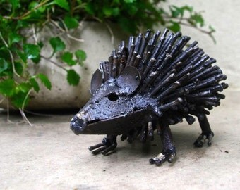 Hedgehog Garden Sculpture TS029