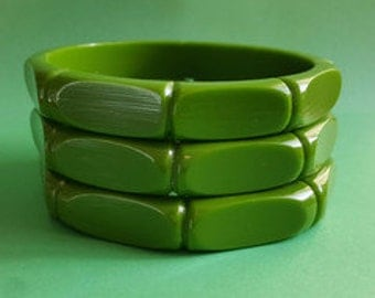 Lilianna bamboo carved fakelite bangle - Green