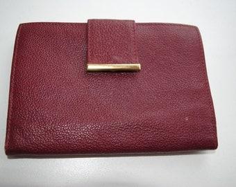 Vintage burgundy red genuine leather wallet in very good condition