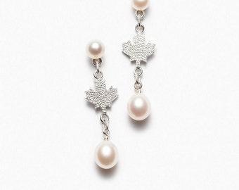 Earrings leaves maple 2 white pearls - Maples leaves earrings with 2 white pearls