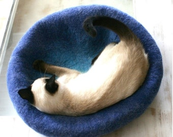 FLASH SALE FREE Postage Australia~Felt Cat Cave~Felted Cat Bed~Pet Bed~Eco-Friendly~Merino Wool~Handmade~Cat House