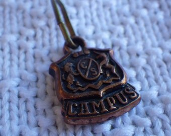 Zipper charm