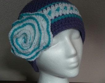 Crocheted beanie w/ flower (3 colors)