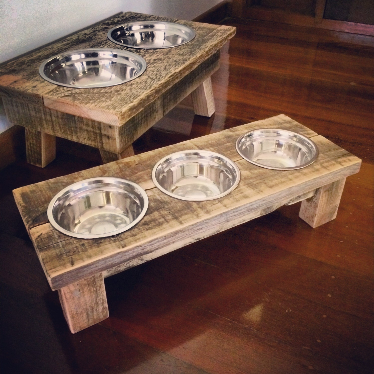 Pallet Cat Bowl Feeding Station