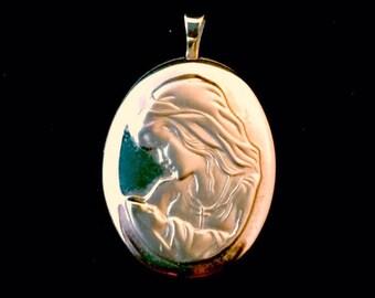 14k yellow gold Mother/Baby locket pendant