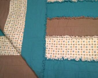 Polka Dot rag quilt, teal and beige