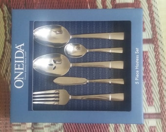 Oneida 5 piece stainless steel silverware