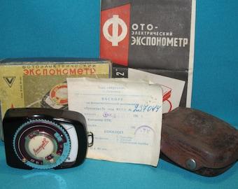 "Soviet photoelectric light meter ""Leningrad -2"" type YU11 / 2 USSR"