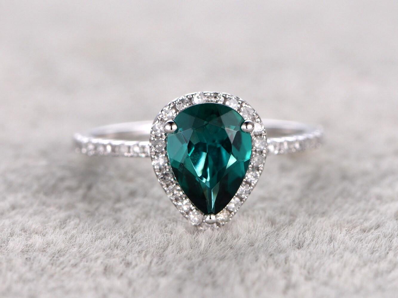 emerald engagement ring white goldhalo diamondwedding