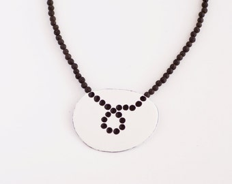Necklace lava and enamel