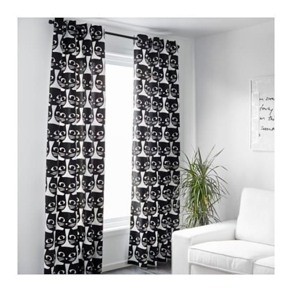 Ikea mattram gordijnen 1 paar wit zwart van interiorvisby for Gordijnen zwart