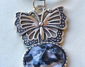 Quartz and onyx necklace