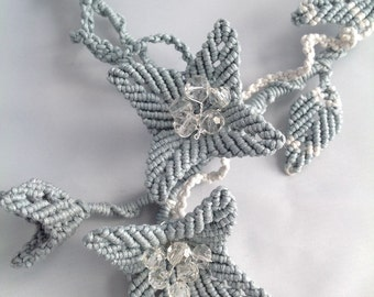 Macrame Grey/ white flower and leaf necklace