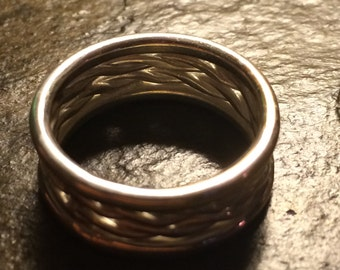 Fine Silver twisted round wire ring