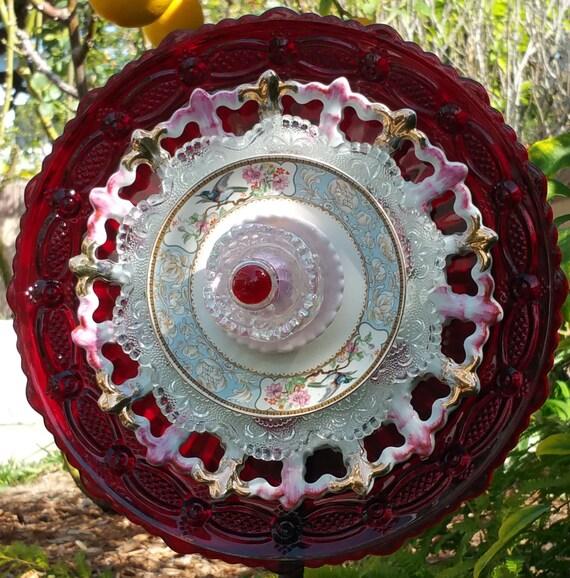 Suncatcher yard art glass plate flower garden decoration for Garden art from old dishes