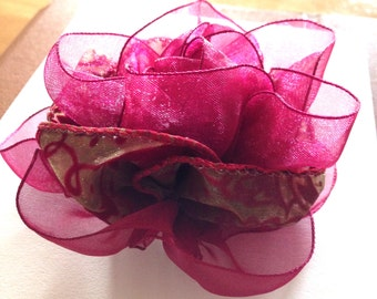 Ribbon Broche