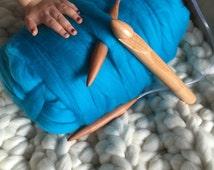 Super Chunky Yarn Peacock   Big Merino Yarn   Unspun Merino Roving   25mm Knitting Needles or Crochet   Arm Knitting  Bulky and Chunky
