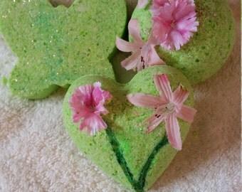 Love can grow anywhere!! Set of 3 bath bombs