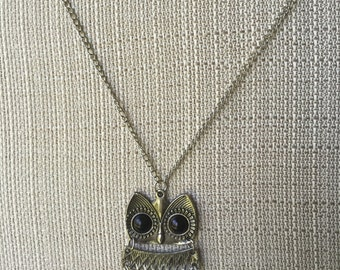 Women's Vintage Style Antiqued Silver Owl Necklace