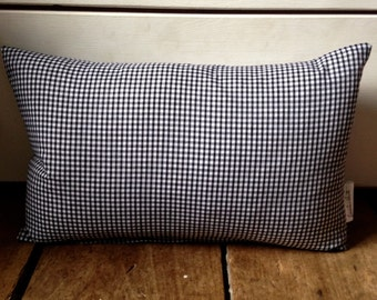 Gingham duck feather cushion