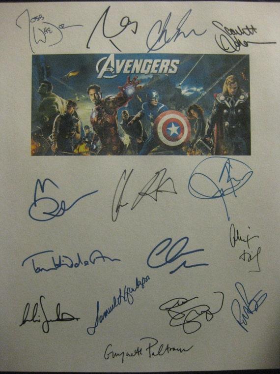 The Avengers Signed Film Movie Screenplay Script X15 Autographs Chris Evans Hemsworth Robert Downey Jr. Mark Ruffalo Jeremy Renner Johansson