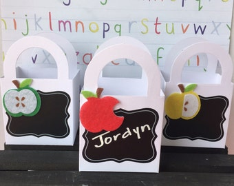 Back to School Favor Bags,  Back to School Gift Bags, Gift Bags, Treat Bags, Parent/Teacher Night, Apple Favor Bags (Set of 12)
