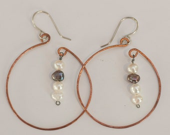 Hammered Copper Hoop with Freshwater Pearl Dangles