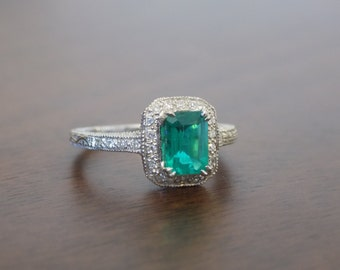 Vintage style white gold and emerald ring