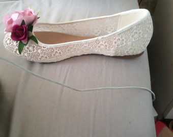 Bridal lace dolly shoes