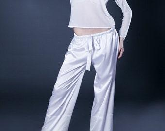 100% Silk pajamas. White pajamas. Silk pajamas.